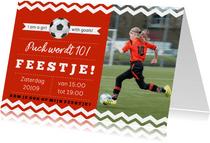 Uitnodiging kinderfeestje voetbal rode kleur aanpasbaar