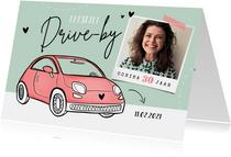 Uitnodigingskaart drive-thru auto vrouw verjaardag foto