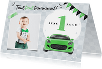 Uitnodigingskaart kind 1 jaar auto groen vlaggen foto