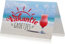 Vakantiekaart strand zomers drankje
