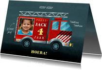 Verjaardagskaart brandweerauto, foto en aanpasbare leeftijd