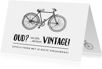 Verjaardagskaart fietsen wielrennen - niet oud maar vintage