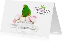 Verjaardagskaart - Groene papegaai bloemetjes