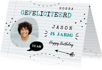 Verjaardagskaart in de stijl van een schrift met foto