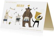Verjaardagskaart kind dieren stoet en muziekinstrumenten
