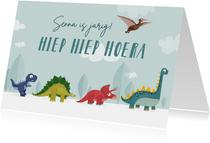Verjaardagskaart kind dinosaurussen dieren vrolijk feest