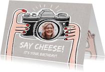 Verjaardagskaart met foto in de lens van een fototoestel