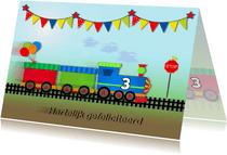 Verjaardagskaart met snelle trein met vlaggetjes