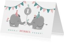 Verjaardagskaart olifantjes tweeling met ballon en slingers