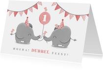 Verjaardagskaart tweeling olifantjes met slingers en ballon