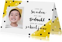 Vrolijke bedankkaart voor juf met gele hoekjes en stipjes