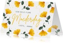 Vrolijke moederdagkaart met gele bloemen en tekst