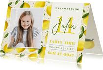 Vrolijke zomerse kinderfeestje uitnodiging met citroentjes