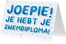 Zwemdiploma kaartje blauwe letters met bellen
