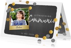 Communie foto uitnodiging stoer krijtbord en confetti