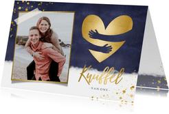 Stijlvolle knuffel kaart met foto en gouden hart omhelzing