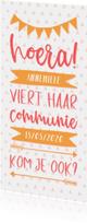 Communiekaart meisje typografisch met slingers en pijlen
