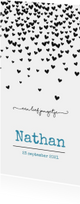 Geboortekaart met zwarte hartjesregen en blauwe letters