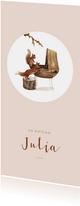 Geboortekaartje met tekening van een wiegje met bosdieren