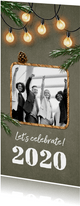 Geschäftliche Weihnachtskarte Tannenzweige und Lichter