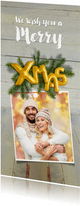 Kerstkaart hout kerstgroen en ballon goud xmas 2020