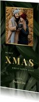 Kerstkaart jungle bladeren met foto en gouden xmas