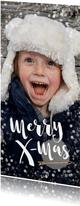 Kerstkaart langwerpig hip vrolijk goud met witte confetti