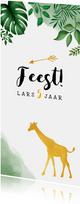 Kinderfeestje uitnodiging met jungle bladeren en giraffe