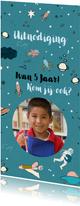 Kinderfeestkaart met space thema en vervangbare foto