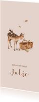 Lief roze geboortekaartje met bosdieren en een mozes mandje