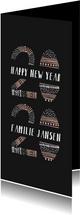 Nieuwjaarskaart met kleurrijke '2020' illustratie