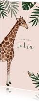 Roze jungle geboortekaartje met giraf en bladeren