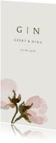 Trouwkaart roze bloemen en initialen