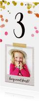 Uitnodiging kinderfeestje meisje met confetti hartjes