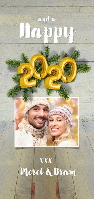 Kerstkaart hout kerstgroen en ballon goud xmas 2020 Achterkant