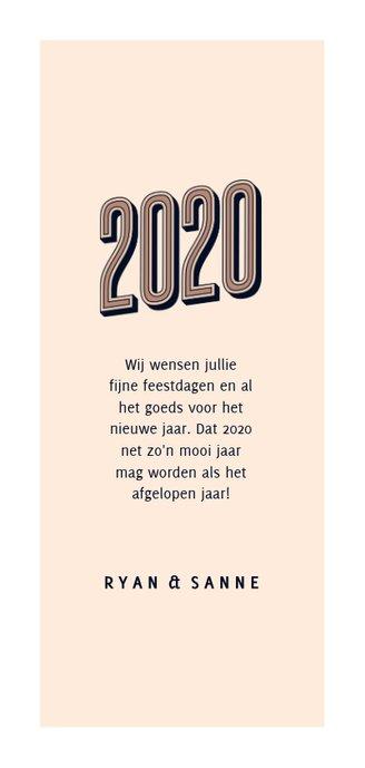 Nieuwjaarskaart foto retro 2020 happy new year Achterkant
