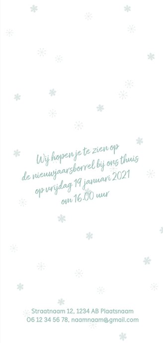 Nieuwjaarskaart met zachtgroene achtergrond en sneeuwsterren 3