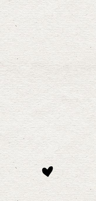 Papierlook geboortekaartje met label en spetters Achterkant