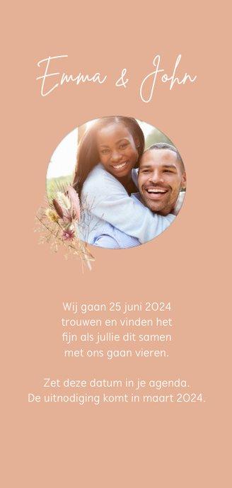 Save the date droogbloemen macrame Achterkant