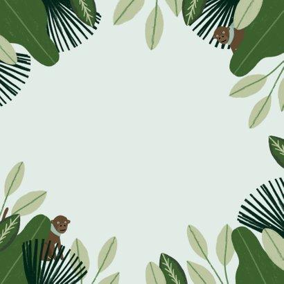 Communie uitnodiging hip met jungle planten en aapjes Achterkant