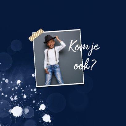 Communie uitnodiging jongen spetters foto stijlvol blauw 2