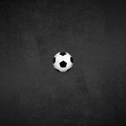 Communie uitnodiging stoer goud krijtbord voetbal foto Achterkant