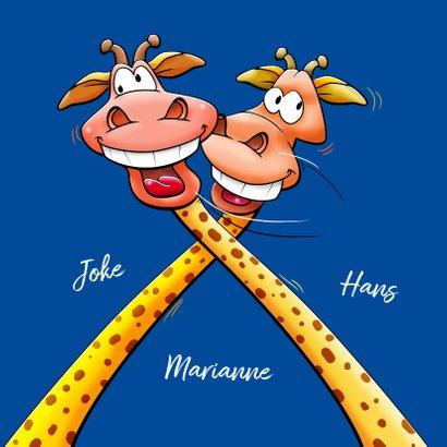 Een verdraaid leuke verjaardagskaart met 2 giraffen 3