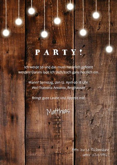 Einladungskarte Geburtstag mit Fotos, Holz und Lämpchen 3