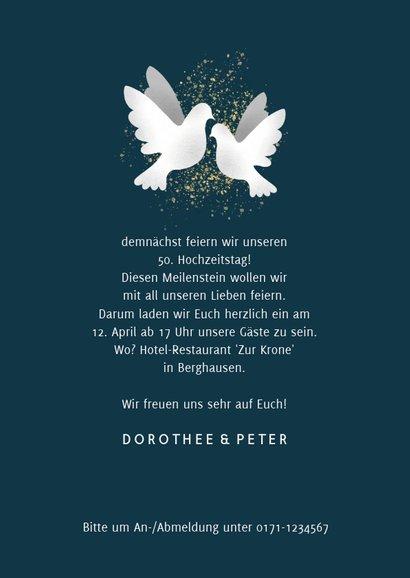 Einladungskarte zur goldenen Hochzeit dunkelblau mit Tauben 3