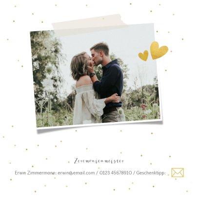 Einladungskarte zur Hochzeit mit Foto und goldener Schrift 2