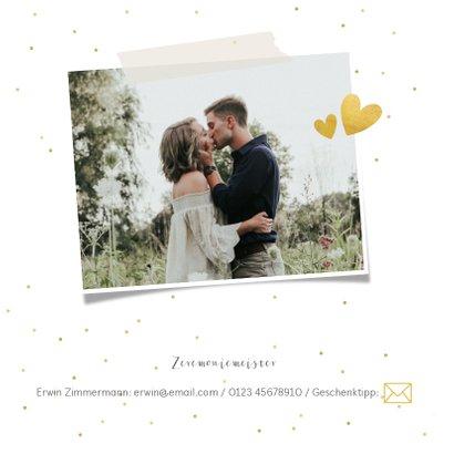Einladungskarte zur Hochzeit mit goldener Schrift und Foto 2