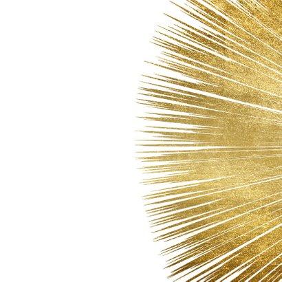 Feestelijke nieuwjaarskaart met gouden ster en typografie 2