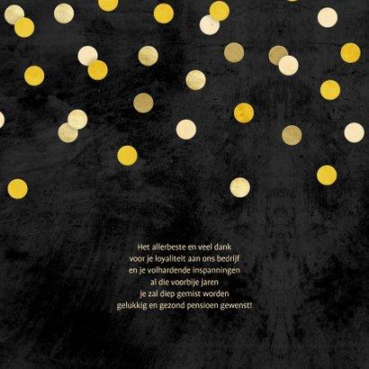 Felicitatie krijtbord gouden 'met pensioen' met confetti 2