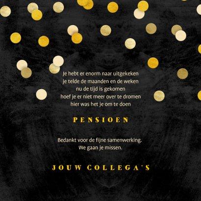 Felicitatie krijtbord gouden 'met pensioen' met confetti 3